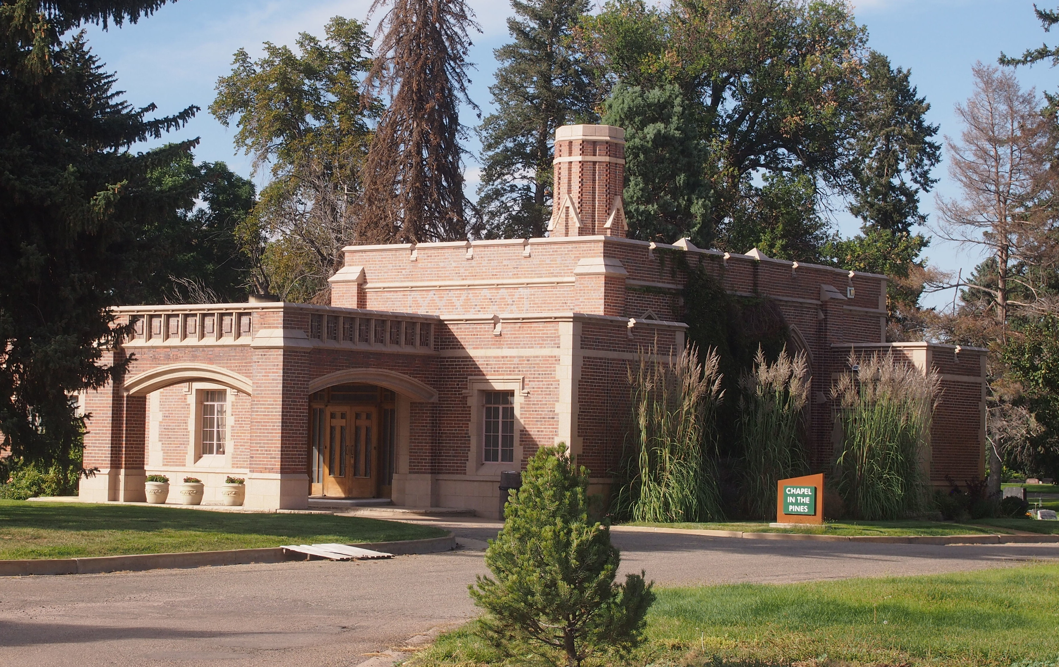 Fairmount Cemetery, Denver, Chapel in the Pines